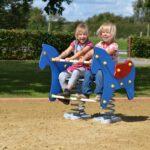 Federwippgerät für zwei Kinder