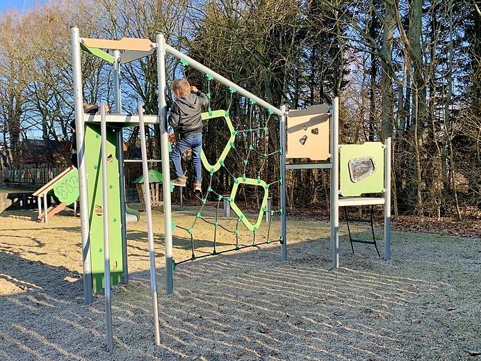 Ledon-Basic-Spielplatzgeräte aus Stahl